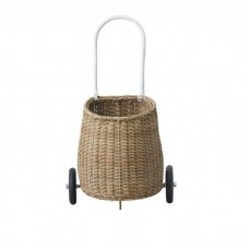 Natural basket with wheels